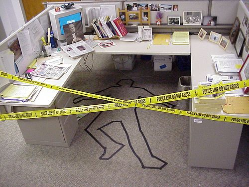 funny-office-desk-april-fools-prank-collegues-pranked-while-on-holiday